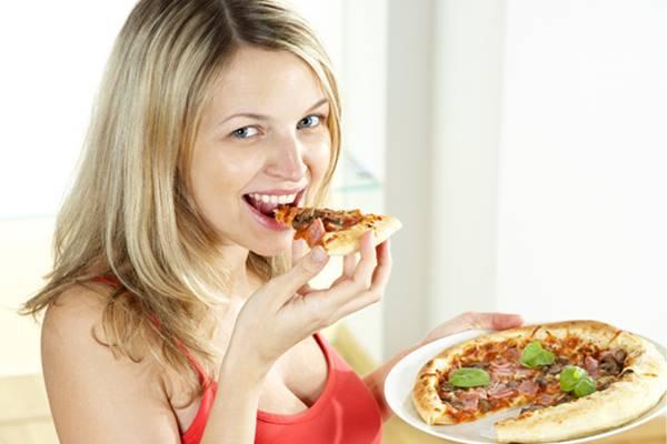makan pizza saat hamil apakah bahaya